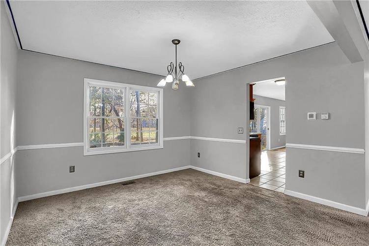 5853 Manning Road Indianapolis, IN 46228 | MLS 21682120 | photo 9