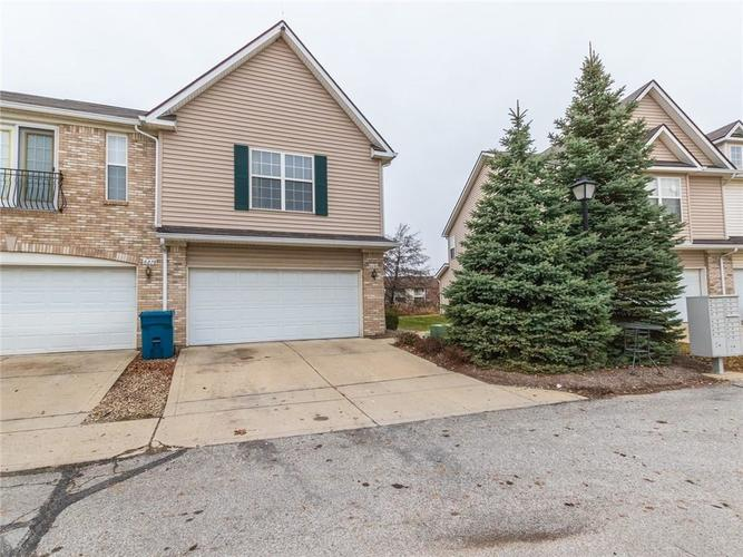 6280 Bishops Pond Lane #15 Indianapolis, IN 46268 | MLS 21682137 | photo 1