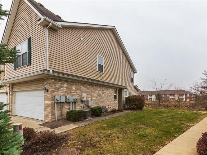 6280 Bishops Pond Lane #15 Indianapolis, IN 46268 | MLS 21682137 | photo 2
