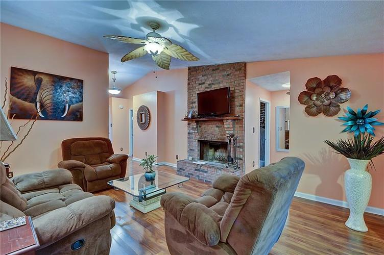 5314 Wetherby Court Indianapolis, IN 46254 | MLS 21682168 | photo 7
