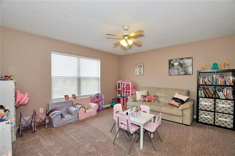 1550 PERRY COMMONS Boulevard Indianapolis, IN 46217 | MLS 21682170 | photo 14