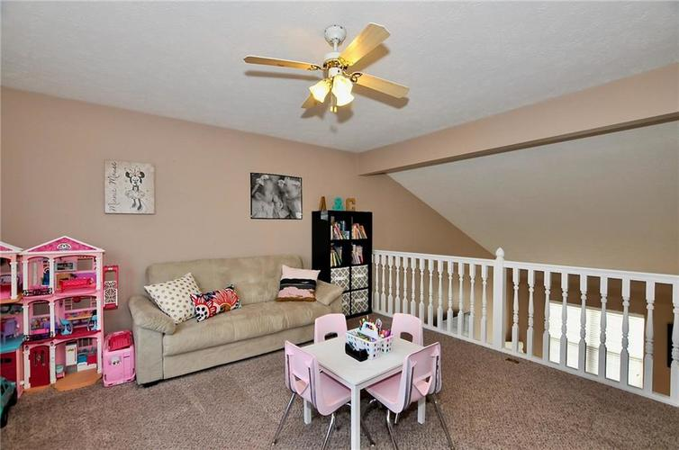 1550 PERRY COMMONS Boulevard Indianapolis, IN 46217 | MLS 21682170 | photo 15