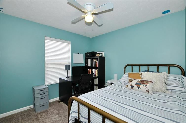 1550 PERRY COMMONS Boulevard Indianapolis, IN 46217 | MLS 21682170 | photo 16