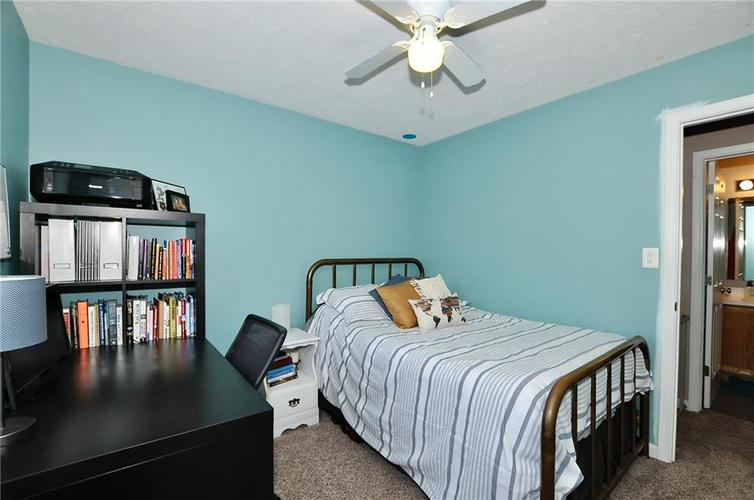 1550 PERRY COMMONS Boulevard Indianapolis, IN 46217 | MLS 21682170 | photo 17