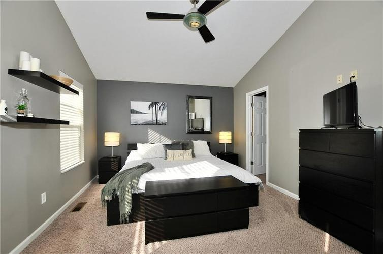 1550 PERRY COMMONS Boulevard Indianapolis, IN 46217 | MLS 21682170 | photo 23