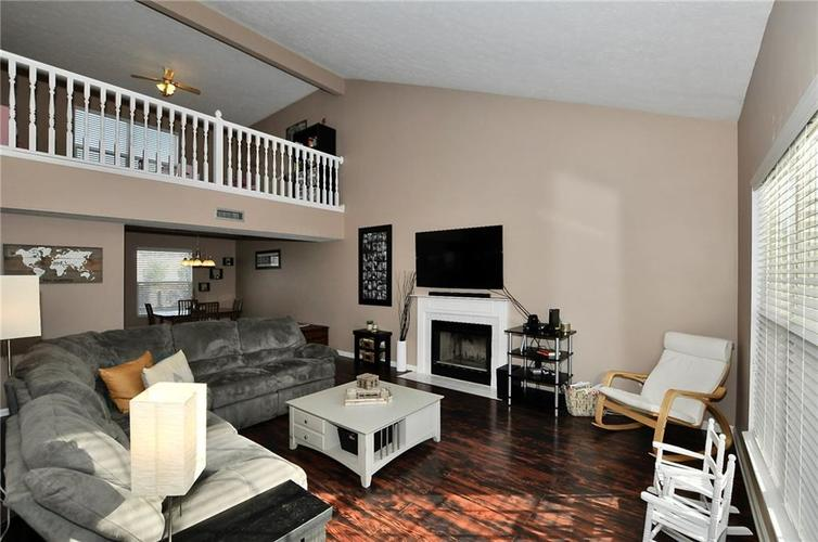 1550 PERRY COMMONS Boulevard Indianapolis, IN 46217 | MLS 21682170 | photo 4