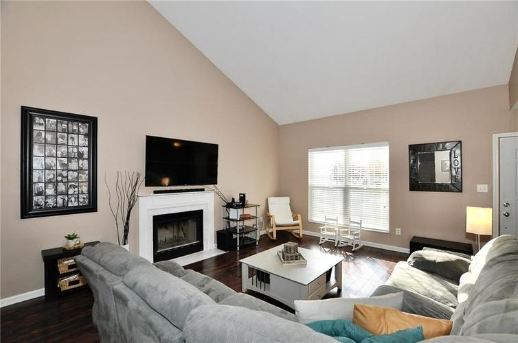 1550 PERRY COMMONS Boulevard Indianapolis, IN 46217 | MLS 21682170 | photo 5