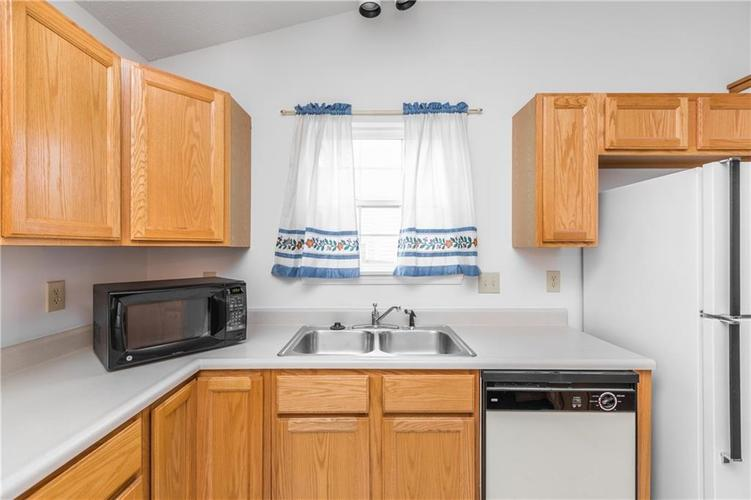 158 Trails End Brownsburg, IN 46112   MLS 21682201   photo 11