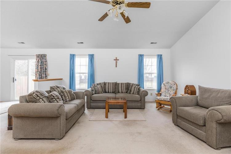 158 Trails End Brownsburg, IN 46112   MLS 21682201   photo 4