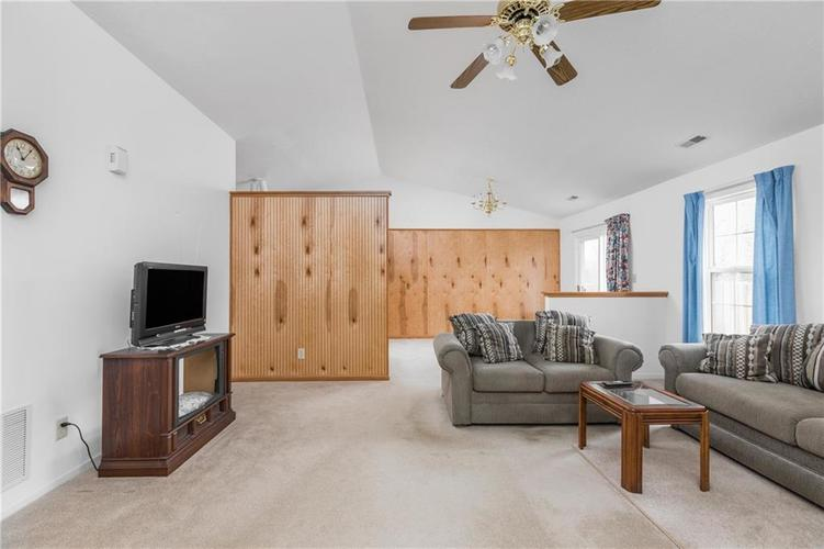 158 Trails End Brownsburg, IN 46112   MLS 21682201   photo 6