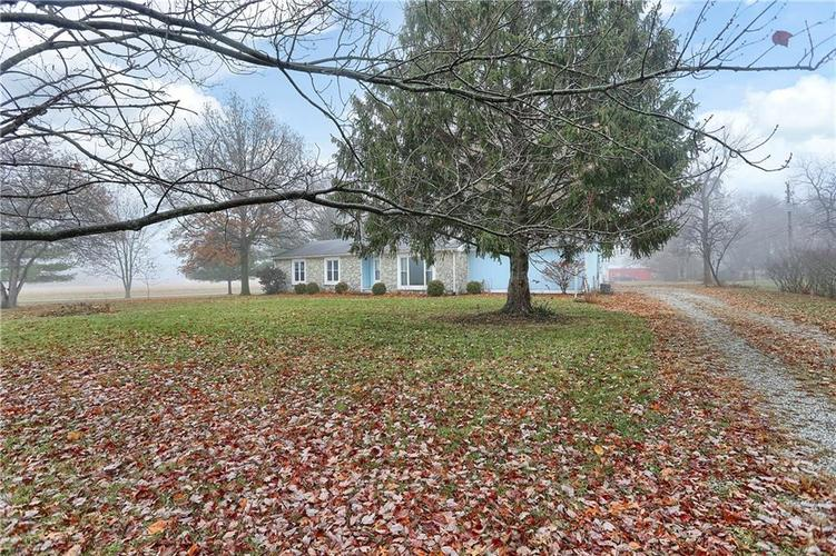 9255 Whitestown Road Zionsville, IN 46077 | MLS 21682231 | photo 3