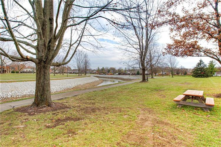 7533 CASTLETON FARMS W Drive #119 Indianapolis, IN 46256   MLS 21682292   photo 30
