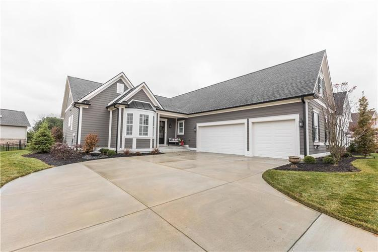 11607 Weeping Willow Court Zionsville, IN 46077 | MLS 21683366 | photo 1