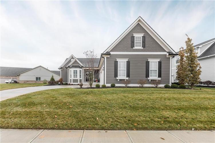 11607 Weeping Willow Court Zionsville, IN 46077 | MLS 21683366 | photo 2