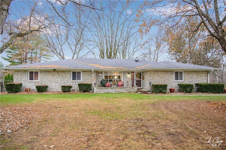 100 CAREFREE Court Greenwood, IN 46142 | MLS 21683384 | photo 1