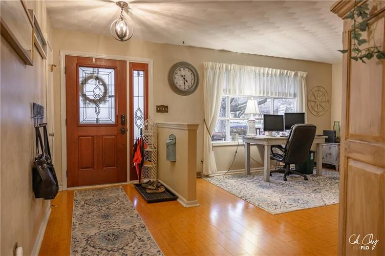 100 CAREFREE Court Greenwood, IN 46142 | MLS 21683384 | photo 13