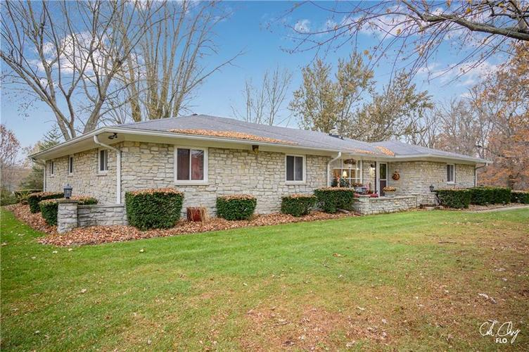 100 CAREFREE Court Greenwood, IN 46142 | MLS 21683384 | photo 2
