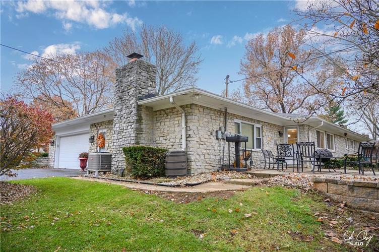 100 CAREFREE Court Greenwood, IN 46142 | MLS 21683384 | photo 6
