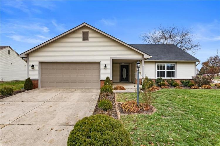 8251 Southern Springs Boulevard Indianapolis, IN 46237 | MLS 21683397 | photo 1