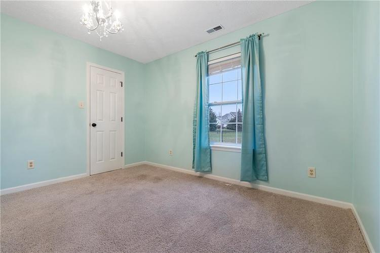 8251 Southern Springs Boulevard Indianapolis, IN 46237 | MLS 21683397 | photo 11