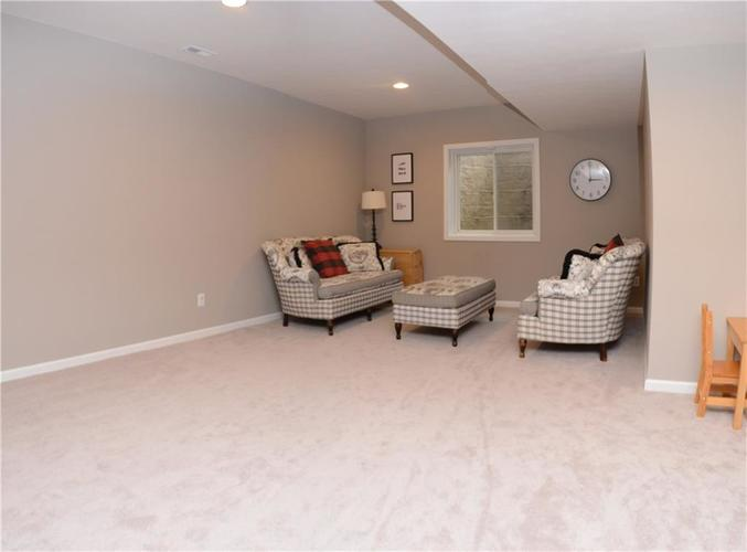 16311 Hunting Meadow Drive Fortville, IN 46040   MLS 21683419   photo 37