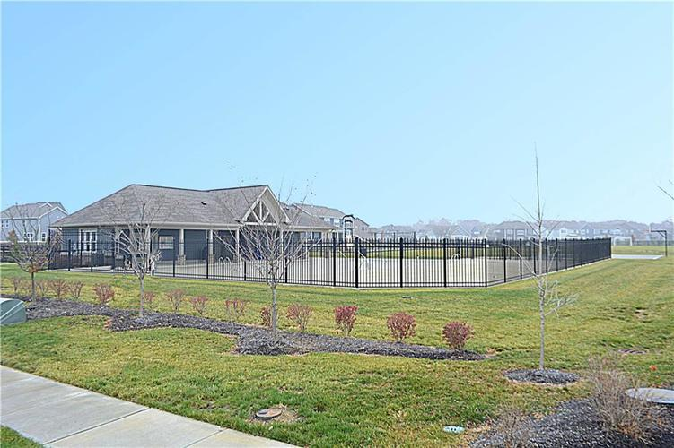 16311 Hunting Meadow Drive Fortville, IN 46040   MLS 21683419   photo 47
