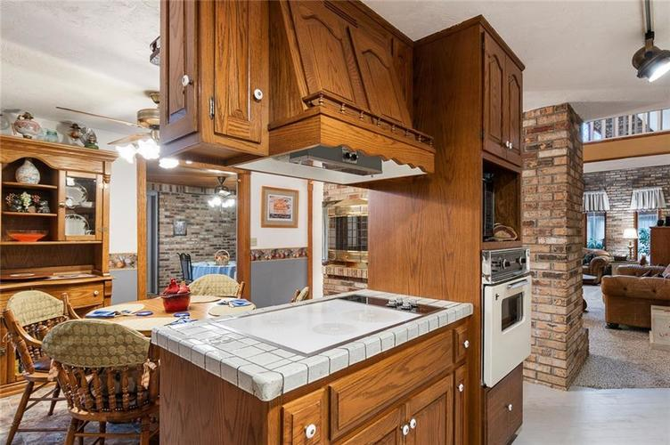 396 W 500 S Anderson, IN 46013   MLS 21683438   photo 10