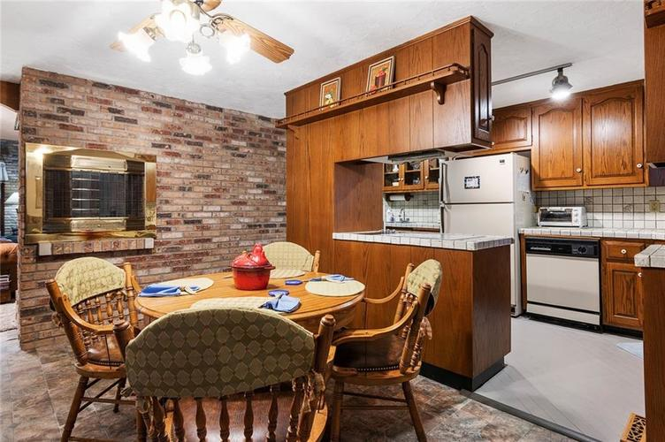 396 W 500 S Anderson, IN 46013   MLS 21683438   photo 9