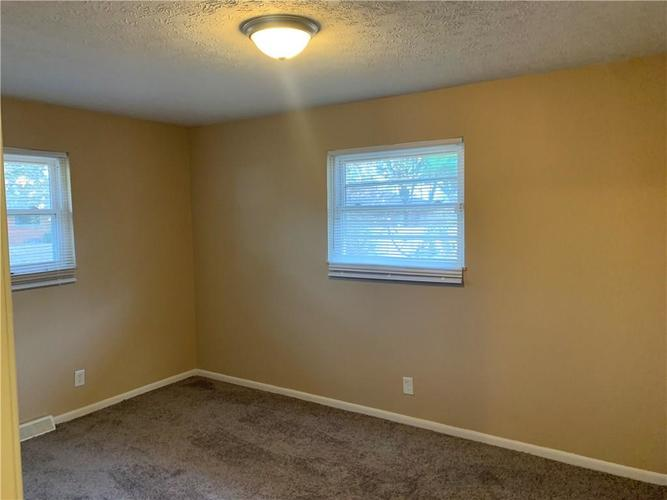 4040 Susy Court Indianapolis, IN 46221 | MLS 21683458 | photo 7