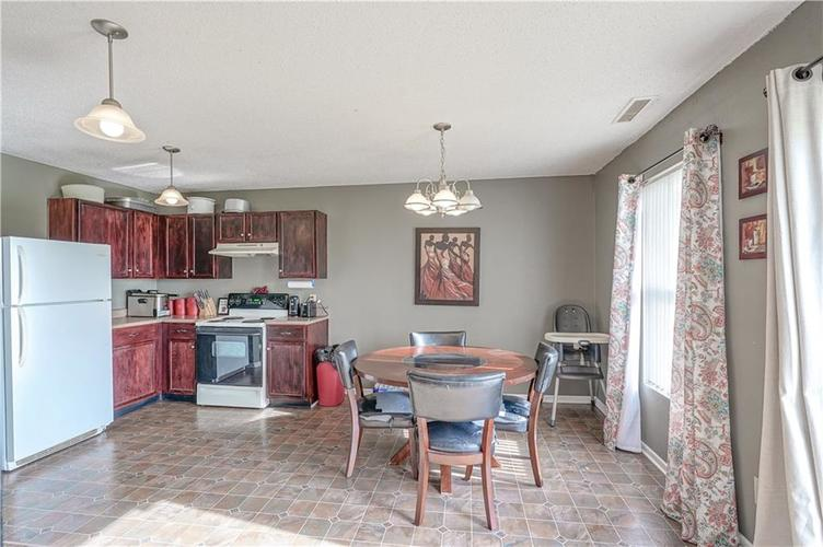 9041 Cardinal Flower Court Indianapolis, IN 46231 | MLS 21683596 | photo 10