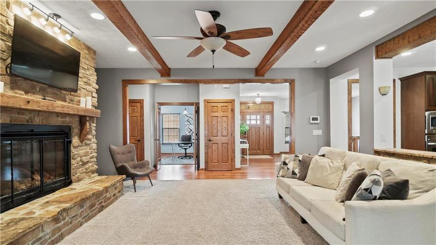 12958 FAWNS DELL Place Fishers, IN 46038 | MLS 21683597 | photo 4