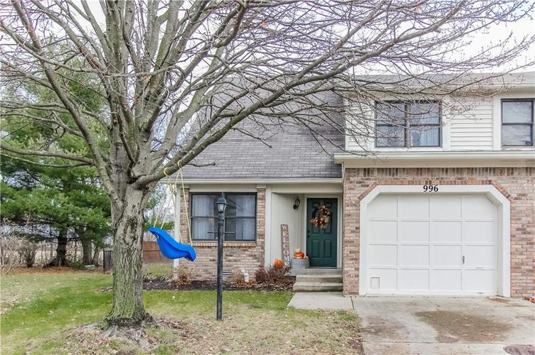 996 Silver Maple Court Greenwood IN 46143 | MLS 21683607 | photo 1
