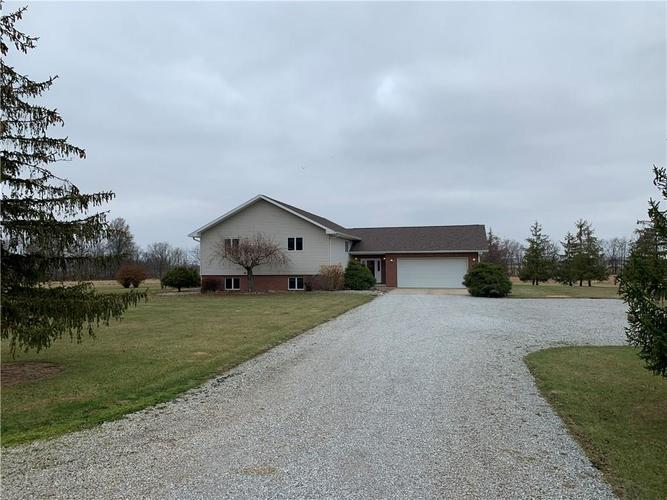 2575 N County Road 200 West New Castle, IN 47362 | MLS 21683628 | photo 1