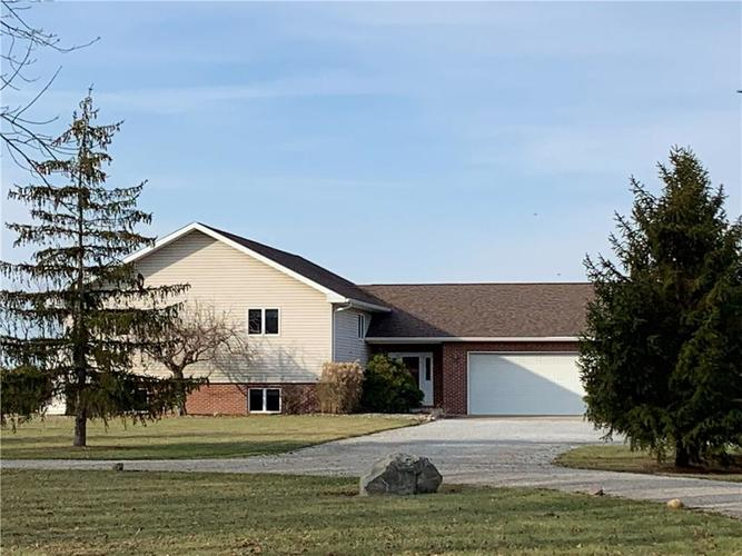2575 N County Road 200 West New Castle, IN 47362 | MLS 21683628 | photo 3