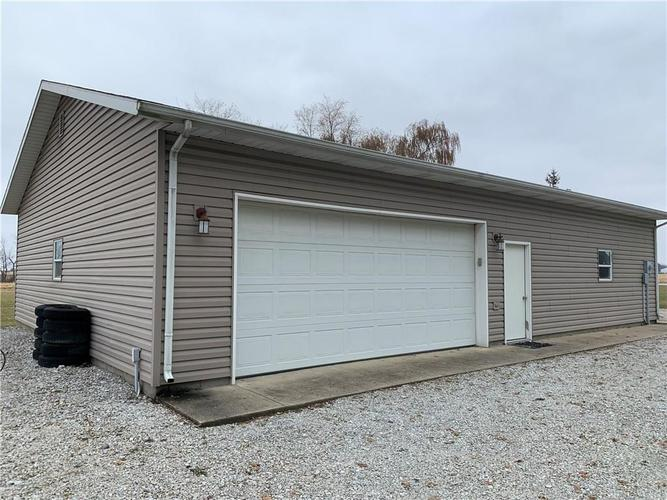 2575 N County Road 200 West New Castle, IN 47362 | MLS 21683628 | photo 34