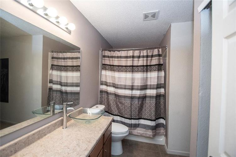 6914 W Dover Place McCordsville, IN 46055   MLS 21683630   photo 14