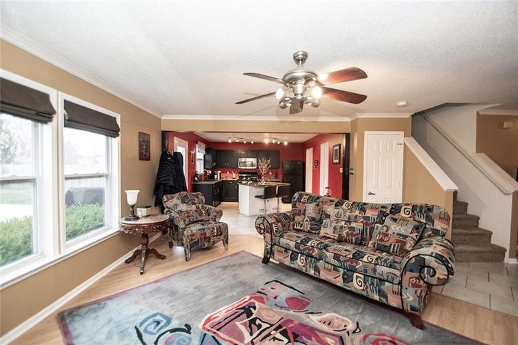 6914 W Dover Place McCordsville, IN 46055   MLS 21683630   photo 4