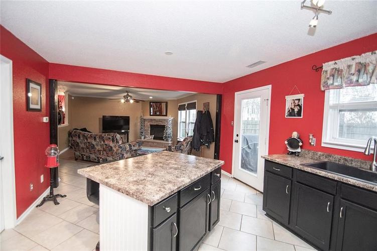 6914 W Dover Place McCordsville, IN 46055   MLS 21683630   photo 8