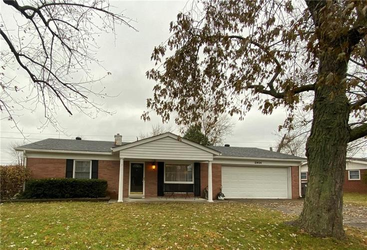 2904 Shakespeare Drive Southport, IN 46227 | MLS 21683677 | photo 2