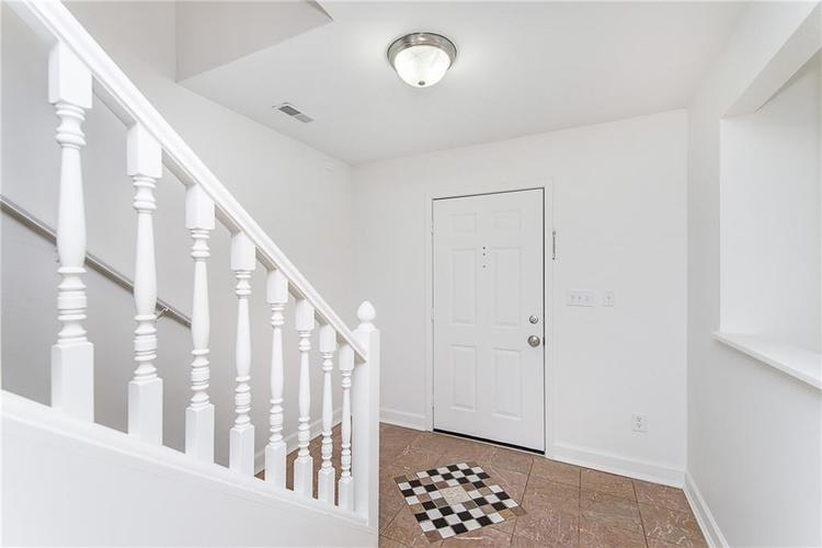 8809 Lighthorse Drive Indianapolis, IN 46231 | MLS 21683838 | photo 4