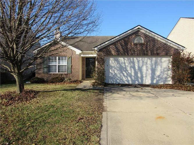 4452 RINGSTEAD Indianapolis, IN 46235   MLS 21683845   photo 2
