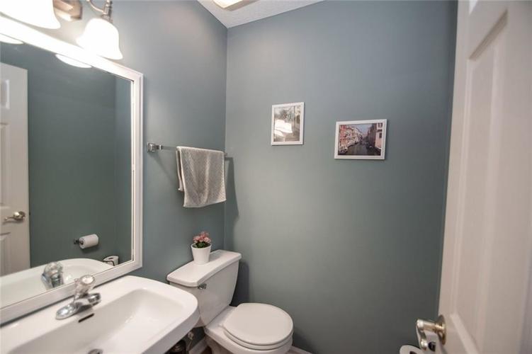 12540 Geist Cove Drive Indianapolis, IN 46236 | MLS 21683851 | photo 14