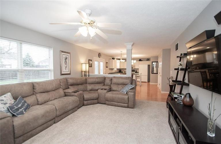 12540 Geist Cove Drive Indianapolis, IN 46236 | MLS 21683851 | photo 8