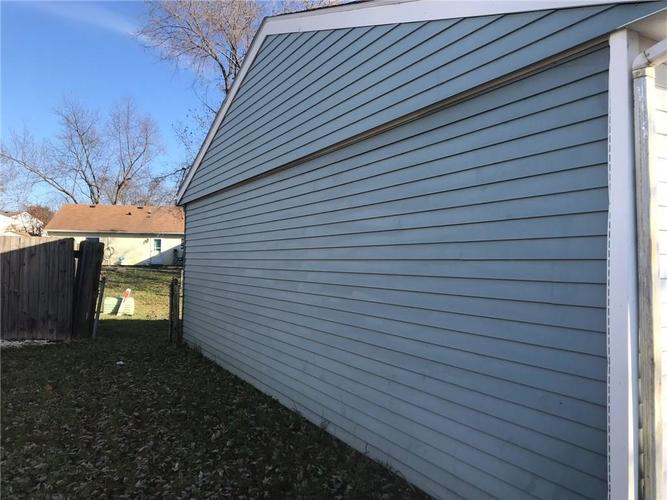 5249 Straw Hat Drive Indianapolis, IN 46237 | MLS 21683854 | photo 2