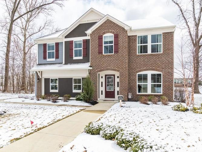 1697  Woodfield Drive Greenwood, IN 46143 | MLS 21683924