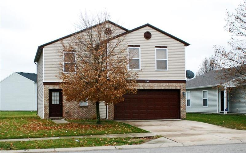 7941 States Bend Drive Indianapolis, IN 46239   MLS 21683946   photo 1