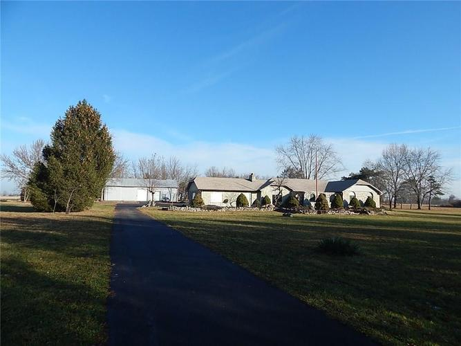 5840 E County Road 800 N Brownsburg, IN 46112 | MLS 21683949 | photo 1