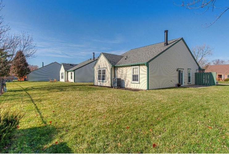 6791 Navigate Way Indianapolis, IN 46250   MLS 21683963   photo 2