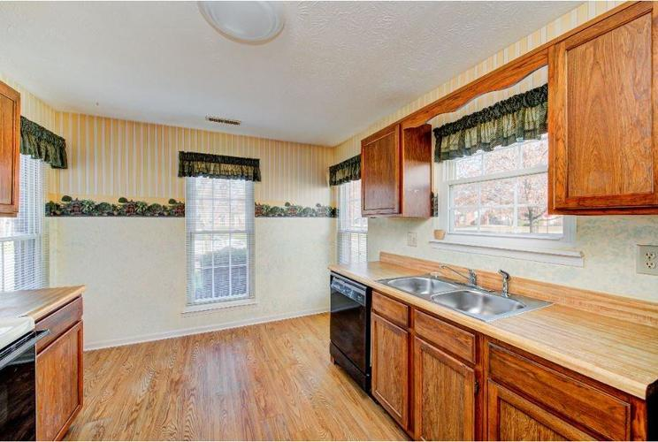 6791 Navigate Way Indianapolis, IN 46250   MLS 21683963   photo 7