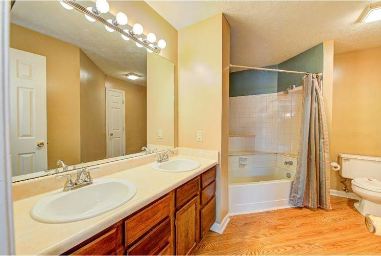 6791 Navigate Way Indianapolis, IN 46250   MLS 21683963   photo 8